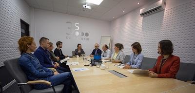 pracownicy Grupa 3S - spotkanie w sali konferencyjnej